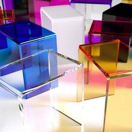 Sgabello a ponte in plexiglass | 10 colori