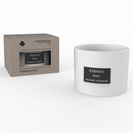 Scented candle in a glass of 140 gr. available in 10 fragrances
