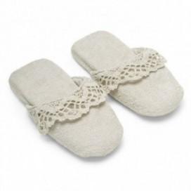 Pantofole da donna in spugna con inserti di pizzo | Puro cotone | Gesso