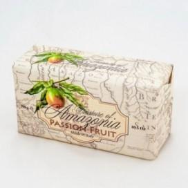 Sapone 100% Vegetale, ottenuto con prodotti naturali | Forma rettangolare | Peso 300 grammi | Profumo intenso e fruttato