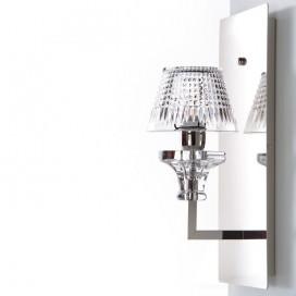 Applique in ottone con cristallo molato trasparente. Altezza 44 cm | Larghezza 19 cm | Spessore 18 cm | Lampadina E14 | Max 60W