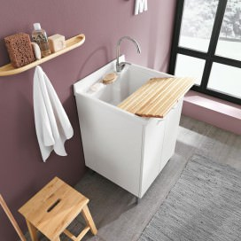 Lavatoio con sottolavatoio ad ante squadrate in finitura opaca | In dotazione: asse, sifone, piletta e portaspone.