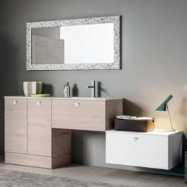Mobile bagno composto da: mobile base rovere chiaro e base bianco opaco | Top mineralmarmo bianco lucido con lavabo integrato