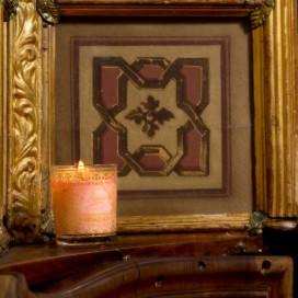 """Candela profumata """"L'Essenza Florian"""" in bicchiere di vetro con decorazioni dorate. Durata 40 ore - 170 gr"""
