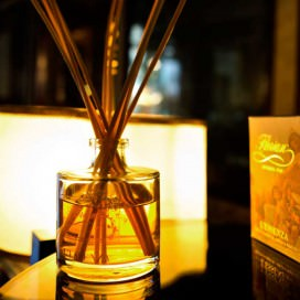 "Environment perfume ""L'Essenza Florian"". Bottle of 220 ml- Paper case with 8 wooden sticks"